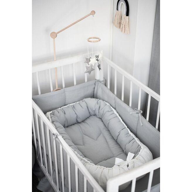 Baltas lininis gultelis
