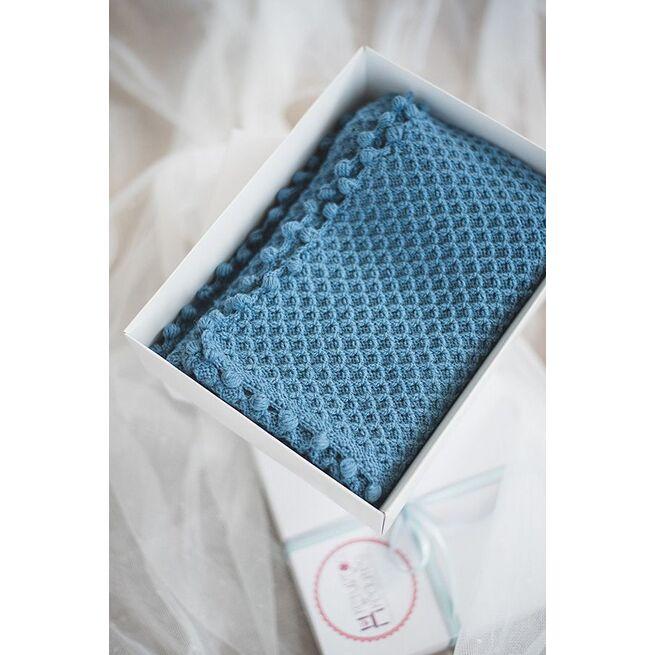 Šiltas džinso mėlynumo vilnonis megztas pledukas